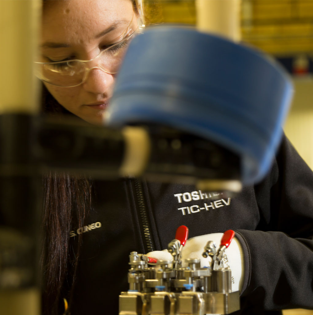 Advanced Manufacturing Technician